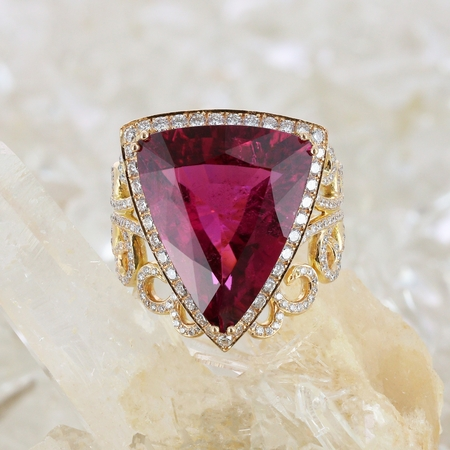 Bague rubellite triangle diamants or rose